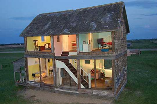 Unconventional Homes: a Natural Size Dolls House