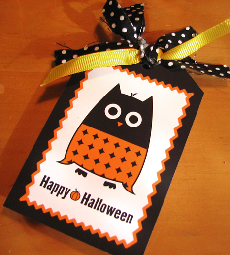 photograph relating to Free Printable Halloween Gift Tags named Cost-free Printable Halloween Owl Present Tag