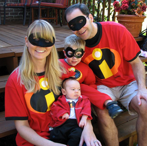 Family Halloween Costumes - The Incredibles - Living Locurto  sc 1 st  Living Locurto & Family Halloween Costume Ideas