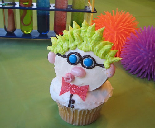 Cute Science Birthday Party Ideas! Scientist cupcake. LivingLocurto.com