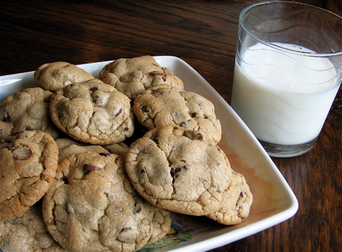 The Softest Chocolate Chip Cookies! A family favorite recipe by Amy at LivingLocurto.com  #Chocolate #Recipe