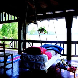 8 Beautiful Hanging Porch Beds