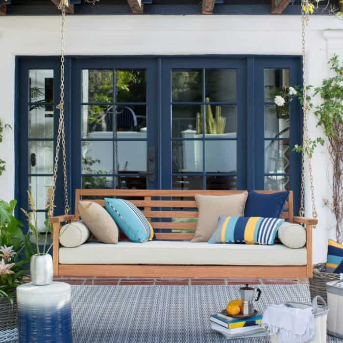 15 Beautiful Hanging Swing Beds - Porch swing bed
