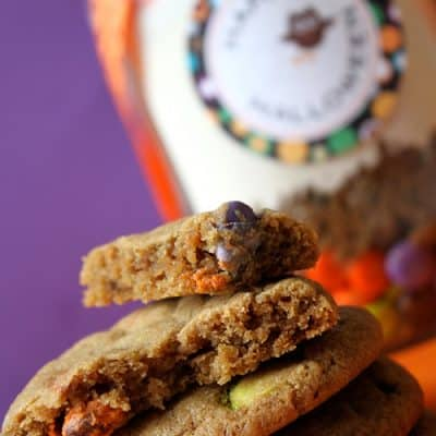 Halloween M&M Cookies in a Jar {Free Printables}