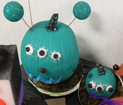 Halloween Alien Monster Painted Pumpkin | Living Locurto