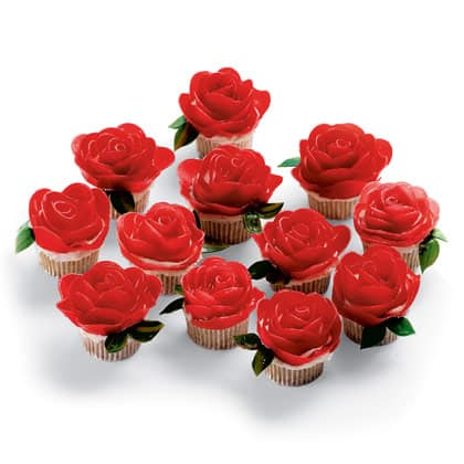 10 Valentine's Day Cupcake Ideas - Rose Cupcakes