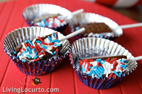 Easy Patriotic Mini Ice Cream Sandwich Pops by Amy Locurto @ LivingLocurto.com