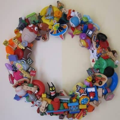 Wreath archives living locurto for Creative recycling ideas for kids
