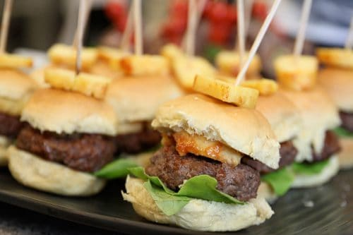 Mini Hawaiian Burgers - Great slider recipe for a party. Perfect for Superbowl #Football parties.
