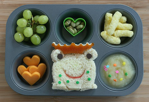 frog muffin tin lunch for kids