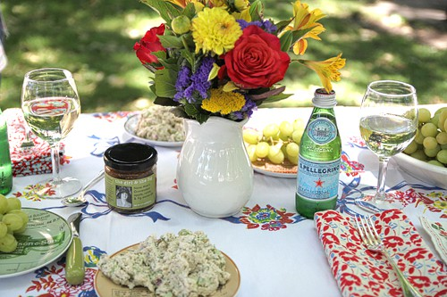 Beautiful summer picnic table setting Simple table setting for lunch