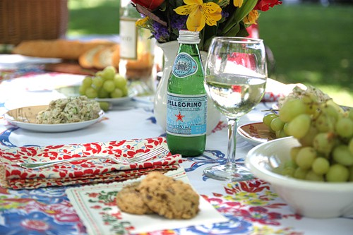 picnic table settings  2