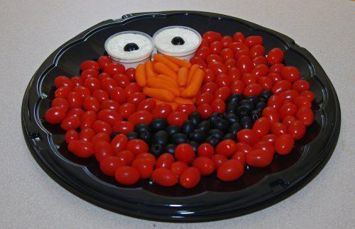 10 Creative Vegetable Trays and Veggie Tray Platter. Elmo Veggie Tray