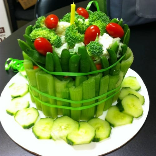 10 Creative Vegetable Trays and Veggie Tray Platter. Healthy Veggie Cake!
