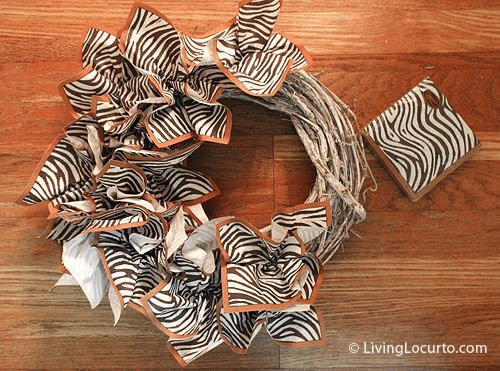 DIY Napkin Holiday Christmas Wreath Craft | Fall Thanksgiving Wreath | Living Locurto