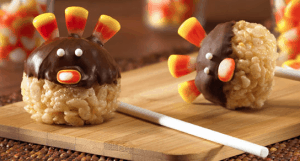 Turkey Pops and Creative Turkey treats! Fun food recipe ideas for kids to make Thanksgiving extra special. Cookies, candy, Rice Krispies treats shaped like turkeys.
