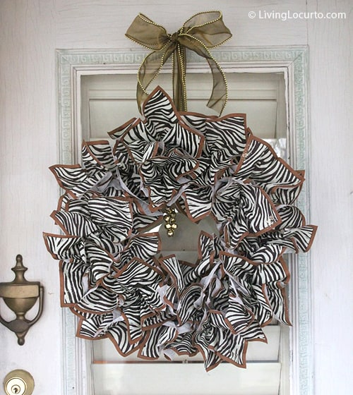 Make a Napkin Wreath this holiday with leftover party supplies! Easy DIY Craft by Amy at LivingLocurto.com