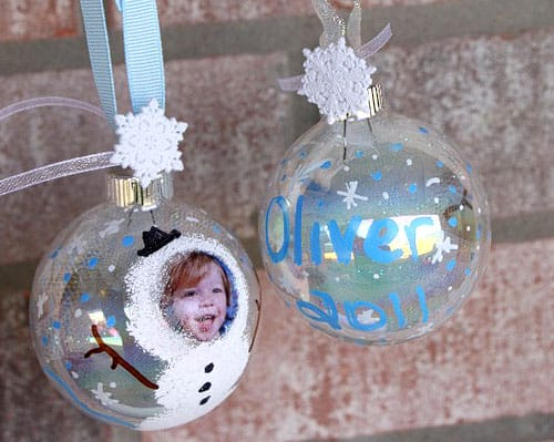 DIY Snowman Photo Christmas Ornaments. Fun keepsake craft idea for kids! Livinglocurto.com
