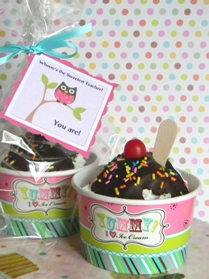 Ice Cream Sundae Cupcakes - Teacher Appreciation gift