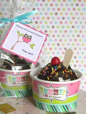 Ice Cream Sundae Cupcakes - Teacher Appreciation gift