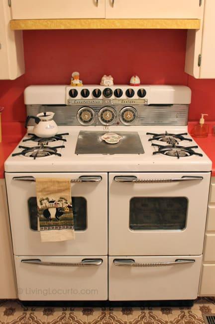 Amy Locurto's Grandma's Retro Kitchen - LivingLocurto.com