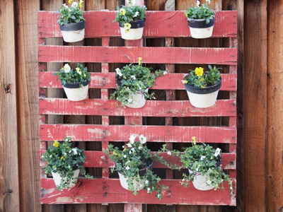 Hanging Garden Ideas plant garden diy how to hanging garden planter 12 Ideas For Turning A Pallet Into A Flower Garden