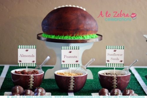Football Party Dessert Ideas |  Superbowl Party Ideas | Football cake | Living Locurto | Free Party Printable Ideas