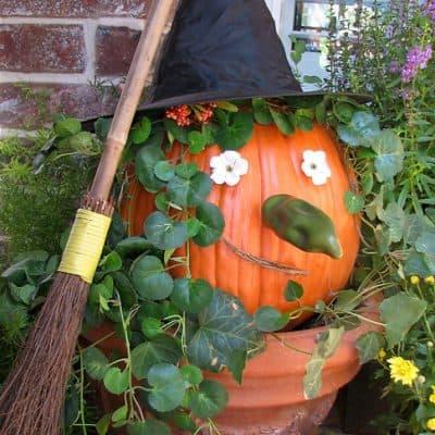 How to Make a Witch Pumpkin (Halloween Craft)