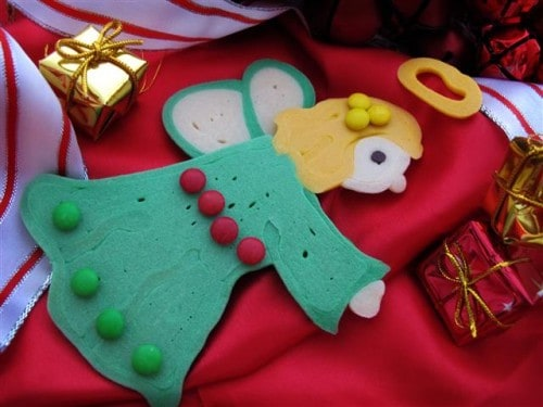 Christmas Angel Pancakes - 25 Amazing Christmas Party Appetizer Recipes! Fun Food Ideas and more for a Holiday Party. LivingLocurto.com
