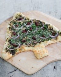 Pesto & Spinach Christmas Tree Pizza - Holiday Party Appetizer - Fun Food Ideas