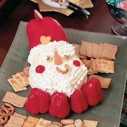Santa Cheeseball - - 25 Amazing Christmas Party Appetizer Recipes! Fun Food Ideas and more for a Holiday Party. LivingLocurto.com