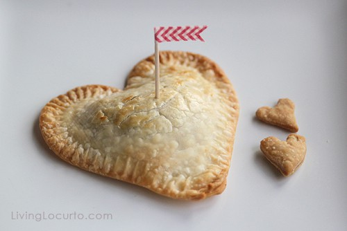 Chocolate Chip Oreo Cookie Mini Heart Pie   Valentines Day Recipe   Living Locurto