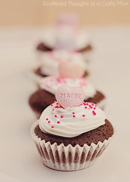 Mini Chocolate Cupcakes | Valentines Day Recipe Dessert Ideas | Living Locurto | #livingCreative
