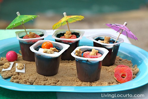 Pool Party Dessert Ideas! Teddy Grahams in pudding. Fun Food & Party Printables by Amy Locurto LivingLocurto.com