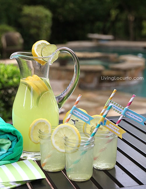 Pool Party ideas! Lemonade in mason jars.