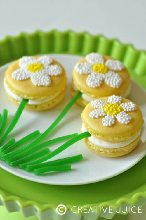 Daisy Macaroons from Creative Juice