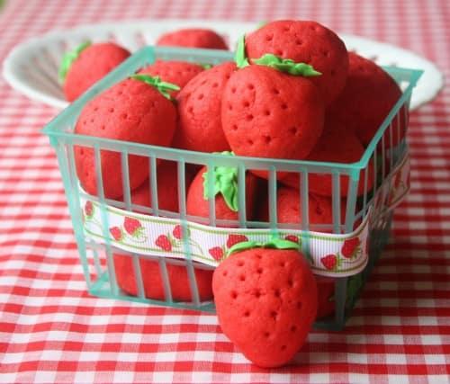 Strawberry Cookies by Munchkin Munchies
