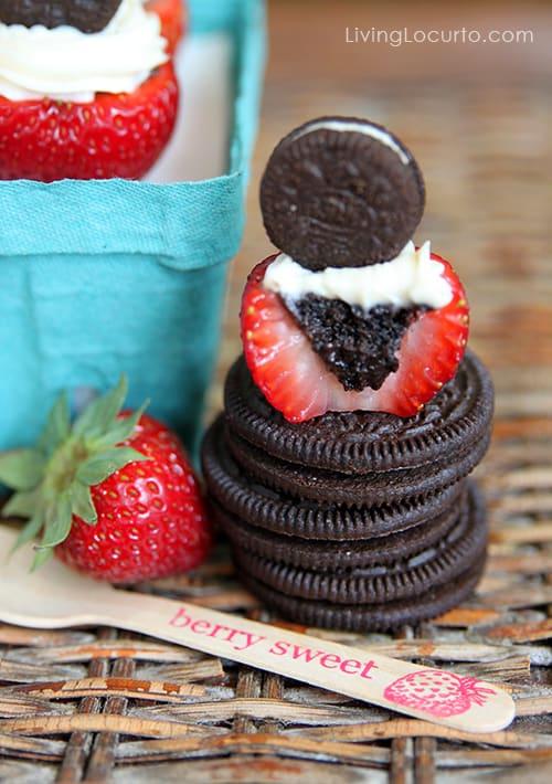 Oreo Cheesecake Stuffed Strawberries - Easy No Bake Dessert Recipe - LivingLocurto.com