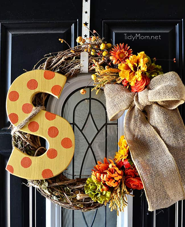 DIY Monogram Fall Wreath by Tidymom! http://tidymom.net/2013/diy-monogram-fall-wreath/