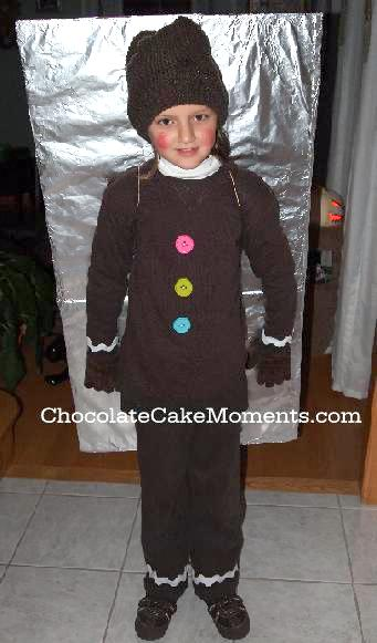Gingerbread Cookie Costume by Chocolate Cake Moments. Featured on LivingLocurto.com