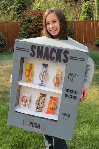 Thrifty and Thriving made an adorable Candy Vending Machine Costume.  featured on LivingLocurto.com