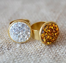 Gold sparkle ring - Awesome holiday Christmas gift ideas for kids of all ages! LivingLocurto.com