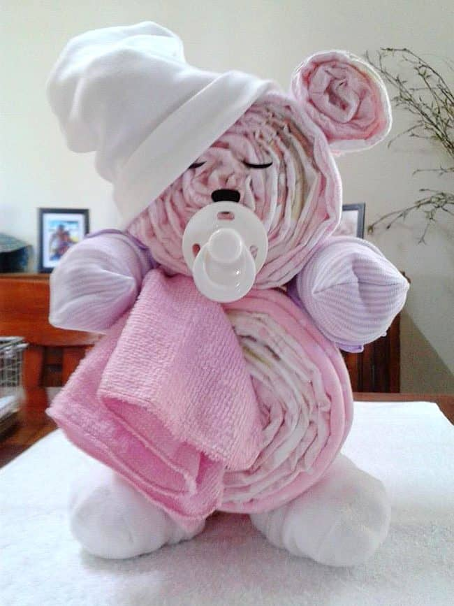 Teddy Bear Diaper Cake. Fun Baby Shower DIY Party Ideas and instructions for how to & 15 Creative Diaper Cakes | DIY Baby Shower Party Ideas