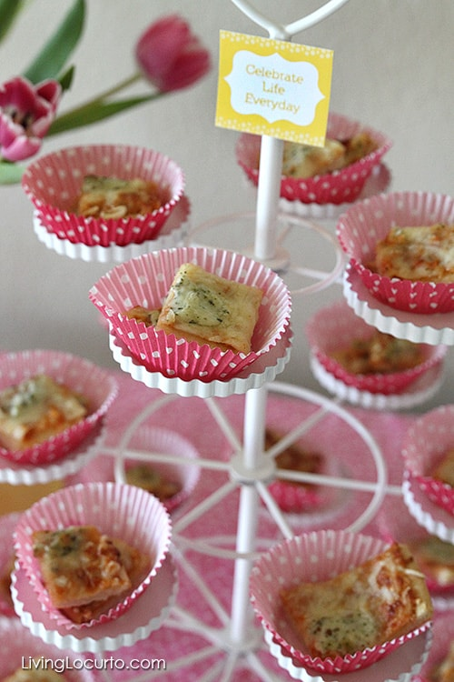 What a fun and simple way to serve pizza! Happy Hour Party Ideas and Free Printables at LivingLocurto.com