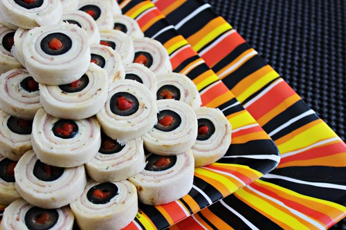 15 Halloween Party Appetizer Recipes - Eyeball Pinwheels