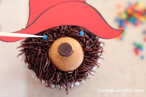 How to make Paddington Bear Cupcakes. LivingLocurto.com
