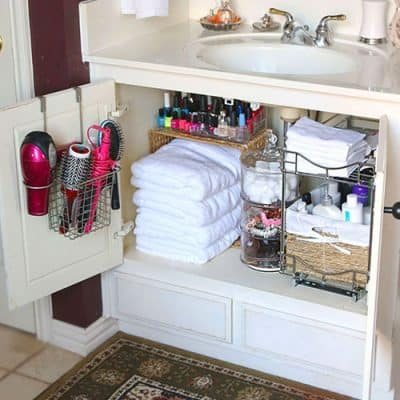 Easy Bathroom Organization Ideas Quick organizing ideas for a small bathroom.