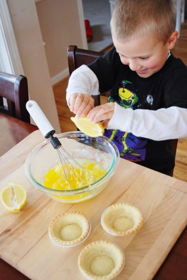 Baby Chick Lemon Pie Recipe - Mini Lemon Tarts - Living Locurto
