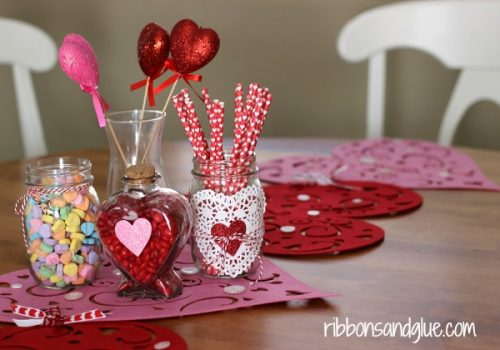 Valentines Table Centerpiece - DIY Home Decoration Ideas for Valentine's Day. Easy to make Home Decor Crafts for Valentine's Day. Homemade Valentines ideas for mantle decorating, party tables, yard art, heart garland, valentine trees, kids rooms and more! LivingLocurto.com