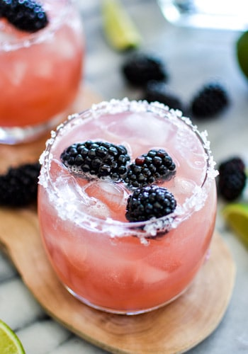 Blackberry Margarita - The Best Margarita Recipes ever! From Strawberry and Blackberry to Pineapple and Coconut, you'll find a frozen cocktail perfect for party drink or a hot summer day! LivingLocurto.com